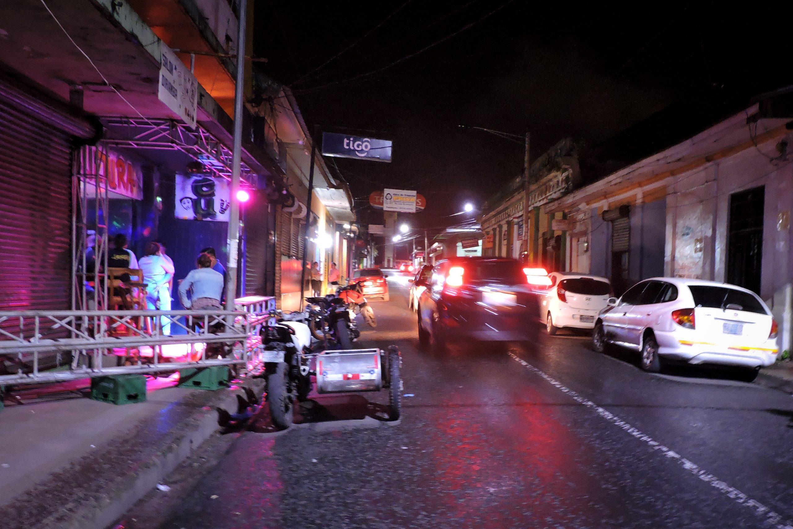 Bares, tragos y música: la fiesta no ha parado en Carazo pese a la pandemia